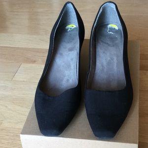 Aerosoles Deminsion model black fabric dress shoe
